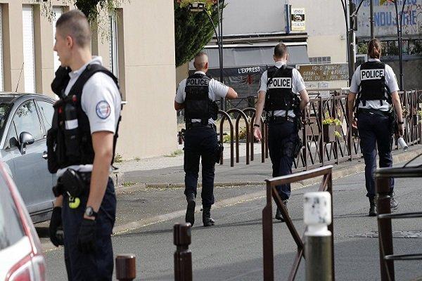 هشدار وزیر کشور فرانسه در مورد بالا بودن تهدیدات تروریستی