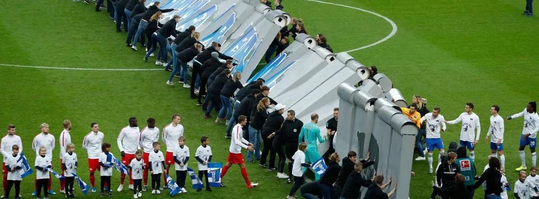 سقوط دیوار برلین در استادیوم المپیک برلین (