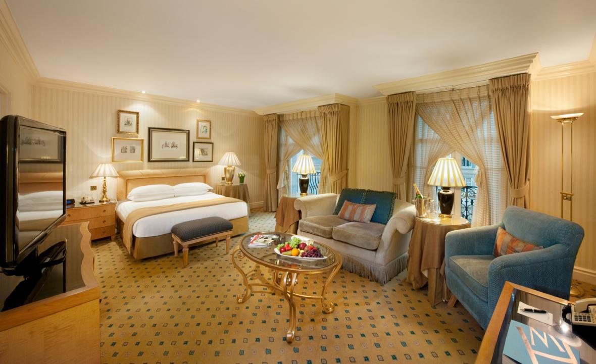 تعداد ستاره های هتل به چه معناست؟