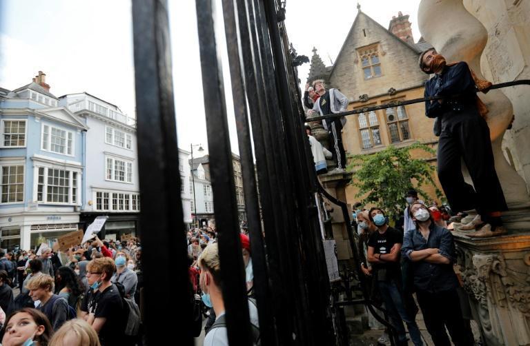 بریتانیا: اعتراض به مجسمه های دوران برده داری