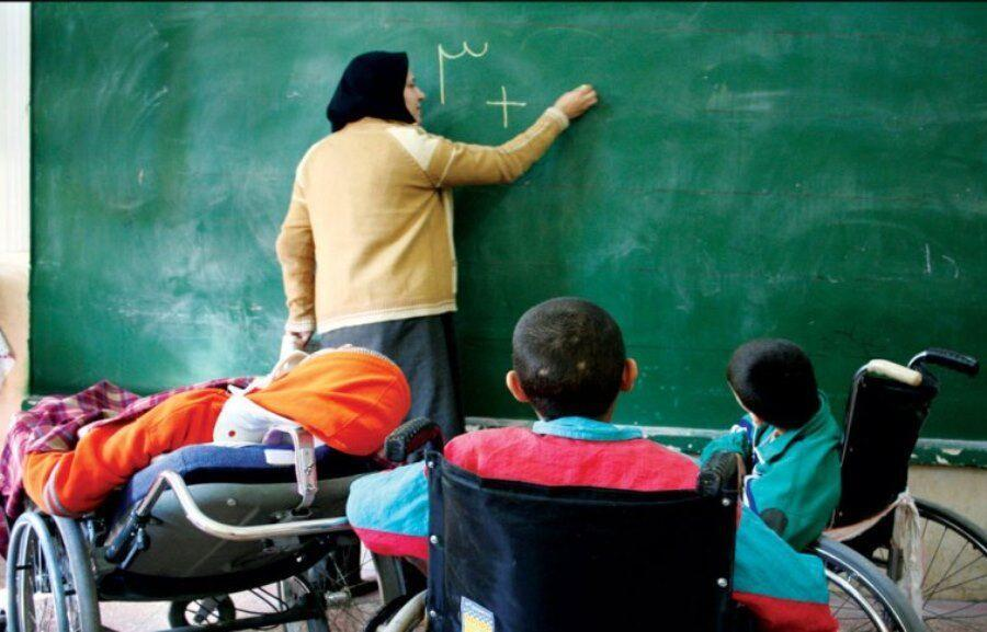 خبرنگاران معاون وزیر: دولت اعتبارات مدارس استثنایی را هفت برابر افزایش داد