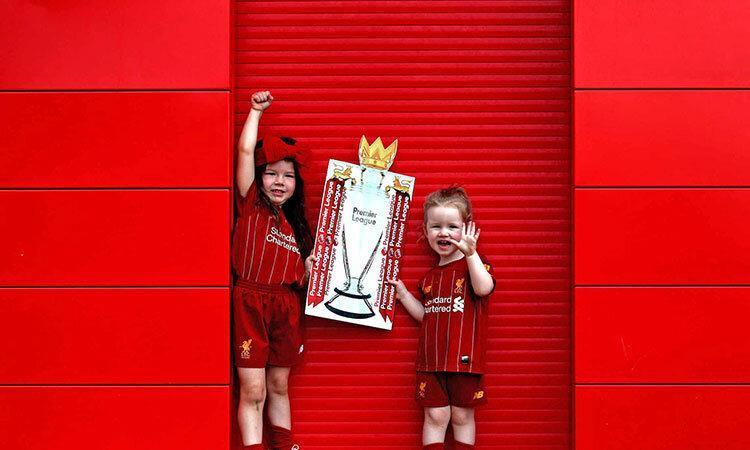عکس روز ، خوشحالی طرفداران خردسال از قهرمانی لیورپول
