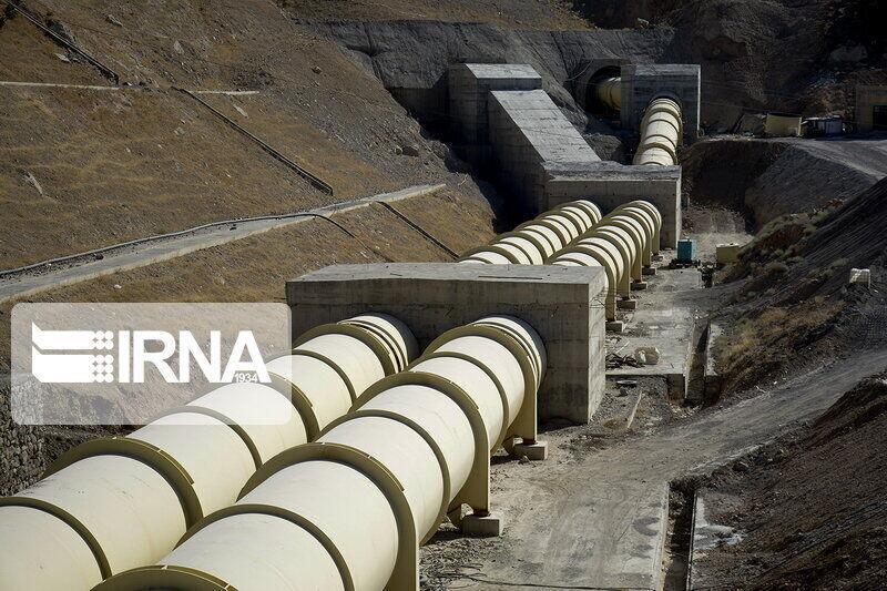 خبرنگاران استاندار کرمان: عملیات اجرایی خط2 انتقال آب خلیج فارس به زودی آغاز می شود