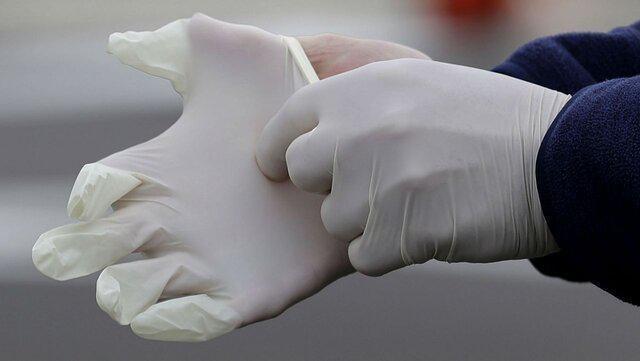 پوشیدن دستکش مانع انتقال ویروس کرونا نمی شود