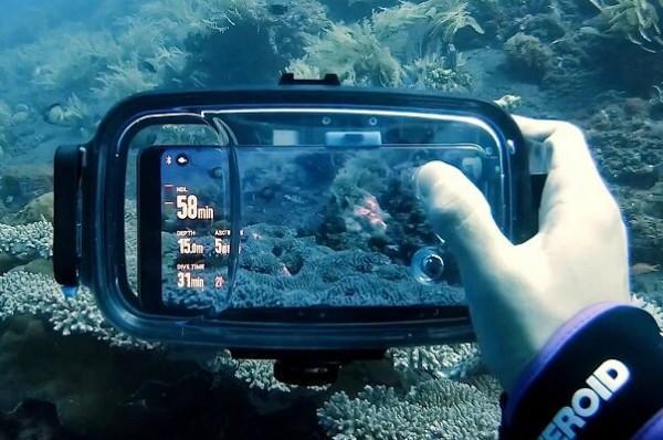 ابزاری که گوشی را به دوربین زیرآبی تبدیل می نماید