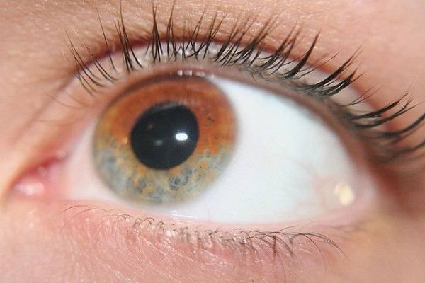 دلایل نگران کننده تغییر رنگ چشم