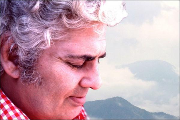 بیوگرافی احمد شاملو؛ شاعر عظیم معاصر