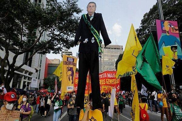 تظاهرات گسترده مردم برزیل علیه سیاست کرونایی دولت